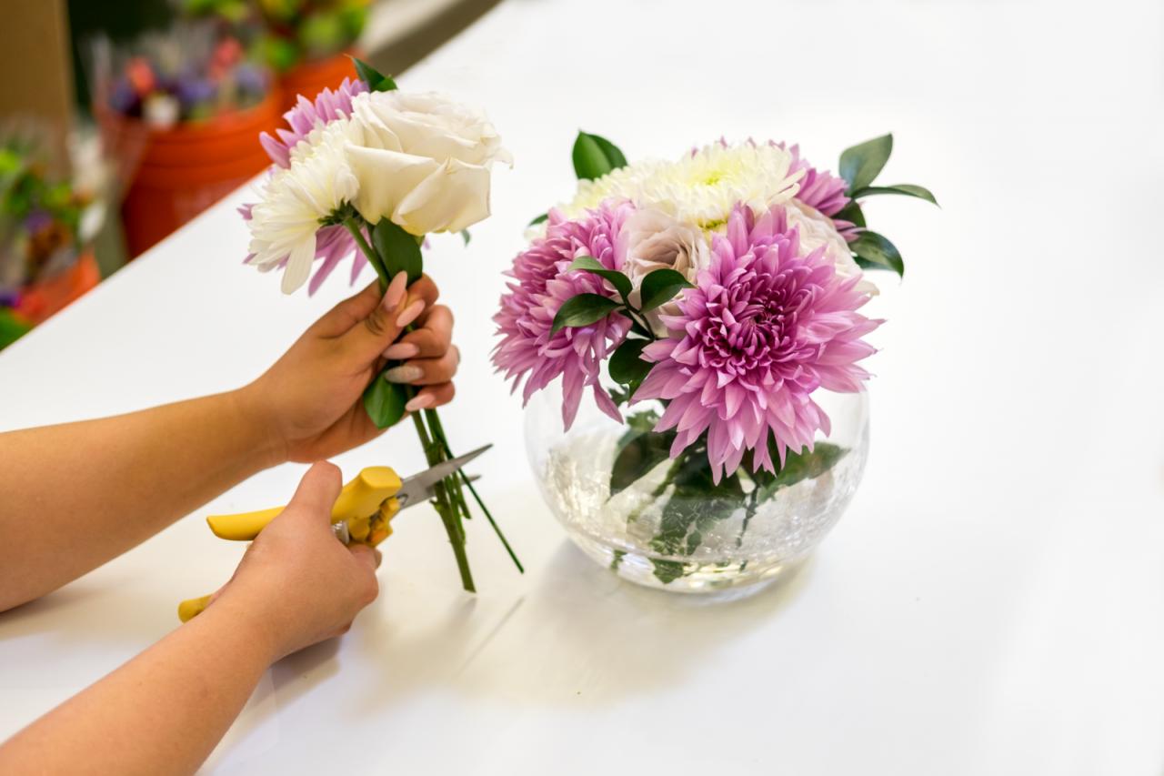 Comment faire des arrangements floraux modernes