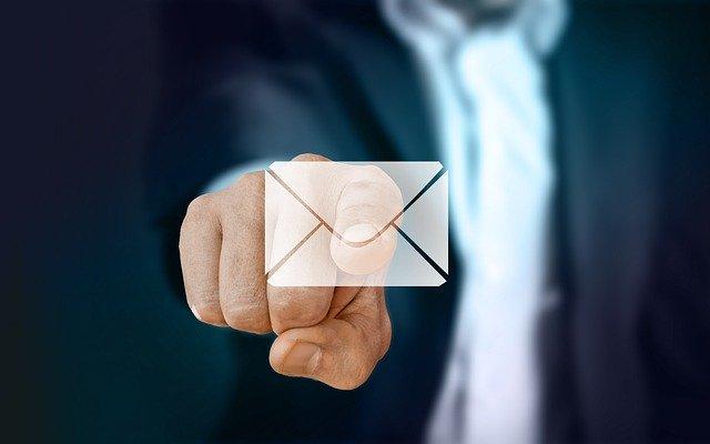 Comment récupérer une adresse mail